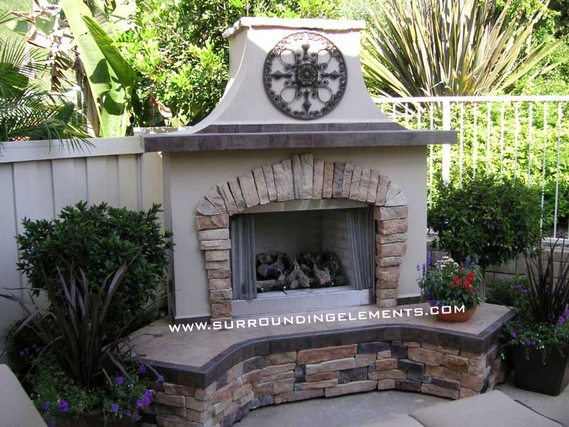 Backyard Fireplace Pictures : Outdoor Fireplaces by Surrounding Elements