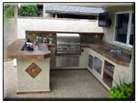 Outdoor Kitchens & Islands
